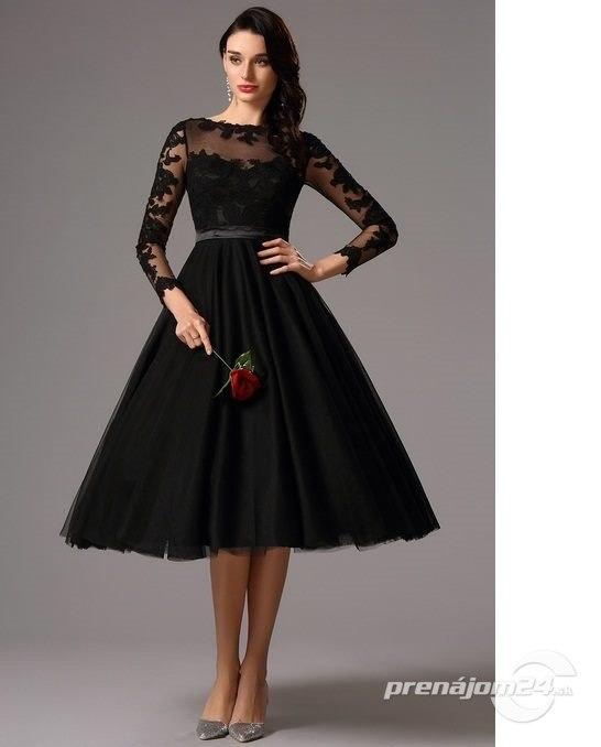 d2c64d990104 Čierne tylové vintage šaty
