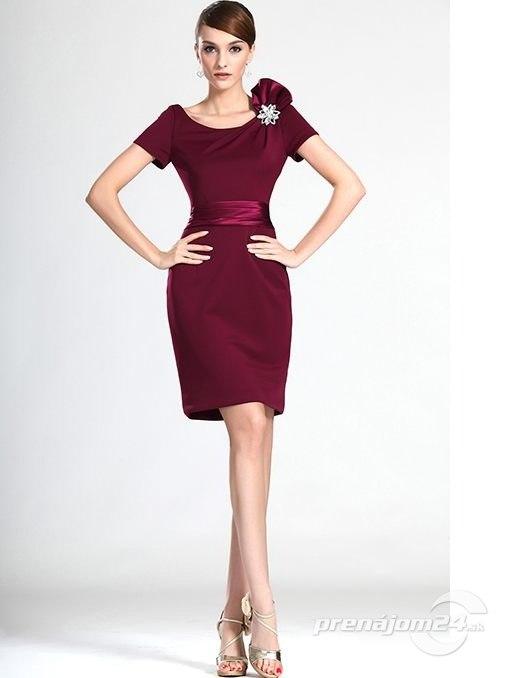 Krátke bordové šaty s krátkymi rukávmi 6d30fa1cc86