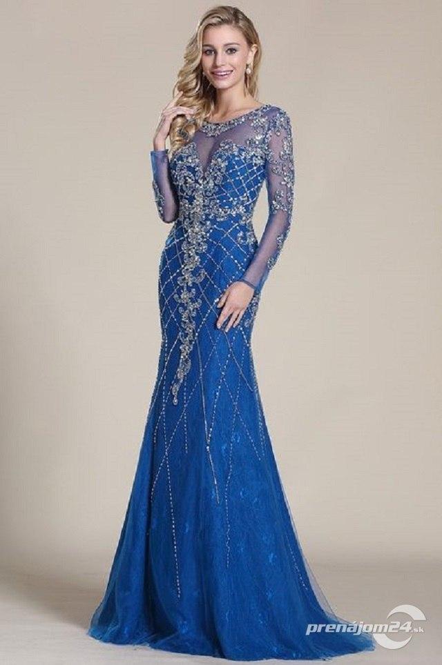 a058ccafdd06 Modré šaty s kamienkami